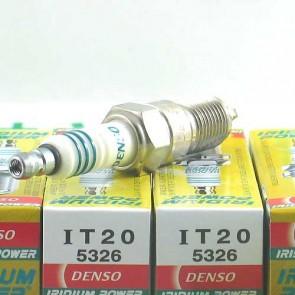Bujía Iridium Power marca DENSO modelo IT20